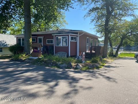 Property for sale at 10529 Pine Beach Drive, Plainwell,  Michigan 49080