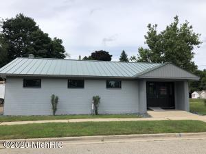 402 Thornton Street, Middleville, MI 49333