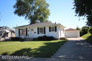 1860 Collingwood Avenue SW, Wyoming, MI 49519