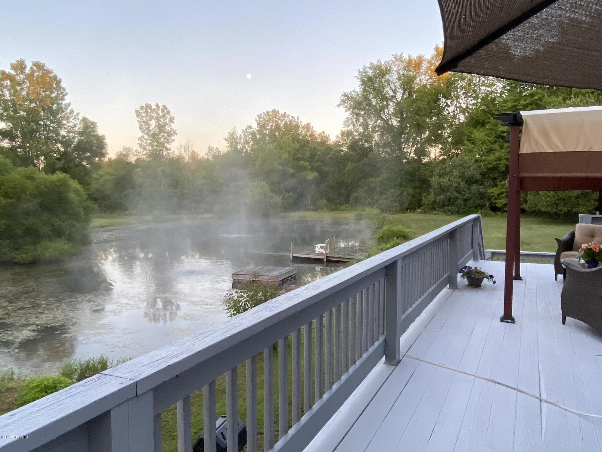 32 Morning Mist on the pond