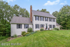 24916 8th Avenue, Gobles, MI 49055