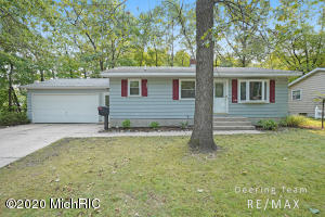 3 bedrooms with tons of living space!  Living room, family room and rec room!  Updated bathroom!   Lots of cabinet space in the kitchen with appliances included!  All of this on shaded lot at the end of a cul-de-sac!  Get inside today! All Offers due 09/21/20 at 12:00pm
