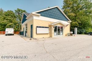 14721 Cleveland Street, Spring Lake, MI 49456