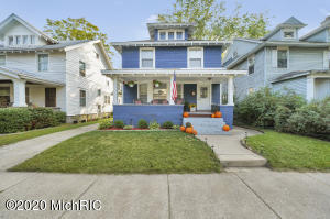 Classic move in ready Eastown home! 3 Bedrooms and 1.5 baths within walking distance to all Wealthy Street has to offer.