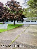 19225 Moorepark Road, Three Rivers, MI 49093