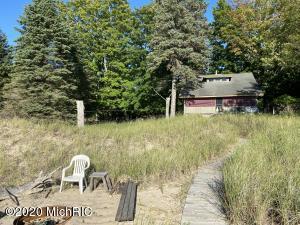 12614 Lakeview Road, Bear Lake, MI 49614
