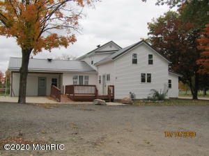 22542 N Angling Road, Centreville, MI 49032