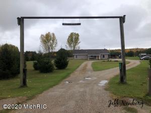 9655 1 Mile Road, Lakeview, MI 48850