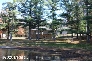 3180 E Raymond Road, Twin Lake, MI 49457