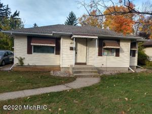 617 Oakcrest Street SW, Wyoming, MI 49509