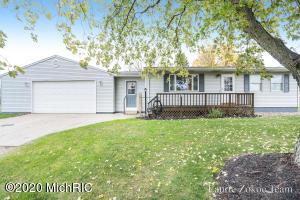 10790 Hanna Lake Avenue SE, Caledonia, MI 49316