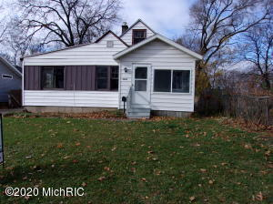 3 bedroom 1 bath full basement 1.5 stall garage. new furnace and air last year.Has upstairs that can  be finished . one owner needs work.Seller is Selling '' AS IS''. Does has access handicap ramp.This house is clean and move in condition. Fridge,Stove,washer and dryer included !!
