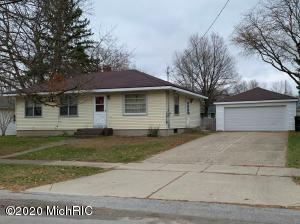 Great opportunity in this solid Kentwood Ranch!  3 Bedrooms and 2 Full Baths, with a Full basement and 2 Stall Garage.  Property would be an excellent chance for someone to create seat equity!  Schedule your showing today!