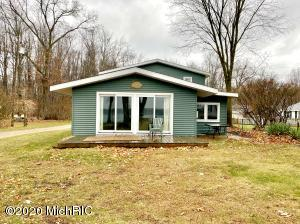 63128 W Fish Lake Road, Sturgis, MI 49091