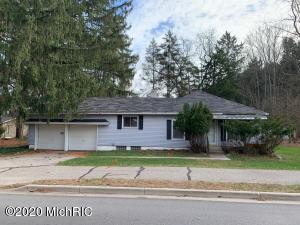 This fixer upper in Forest Hills schools is a rare opportunity in this price range and in prime location on over an acre! Rooted mere moments from the banks of the Thornapple River, this home is close to all downtown Ada and Cascade has to offer! There is also a pole barn. Multiple offers received, highest and best due by Friday 11/27/20 at 2:00 PM.