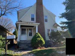 This is a 3 Bedroom Alger Heights house located on the corner of Eastern and Joslin SE. The driveway and garage are accessed on Joslin. The house has pretty good size and includes a dining room.  It does need work and is being sold ''As Is''.  Most of the houses in the area sell for 160-200, so this is priced below as it needs work.  This is a good area for living in, or it could make a nice rental too.   Seller has directed Listing Agent/Broker to hold all offers until 11/25 at 3:00 pm.