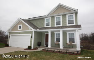 New listing in Woodbury Ridge community. This home sits on a huge corner lot on a cul-de-sac. This 4 bedroom 2.5 bath home is only 6 years old! Main floor features spacious living room, granite counter tops in the kitchen and stainless steel appliances. Half bath is also located on the main floor which is convenient for guests.  Head on upstairs to find master suite, three additional  bedrooms and one more full baths. The basement is unfinished and ready for your own personal touch! Seller reserves TV mounts.