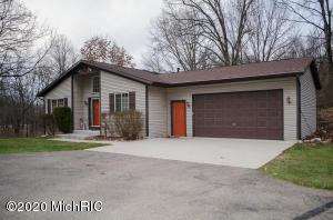 9706 Shawnee Branch Drive, Plainwell, MI 49080