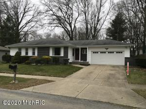 Great Kentwood Ranch. 3bedroom 3 baths. Hardwood floors in bedrooms. Fireplace in family room. Newer 90% furnace, central air. Sliders to a spacious deck. Vinyl replacement windows. Basement is partially finished with an office.