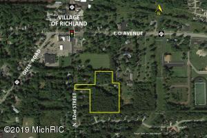 7822 N 32nd Street, Richland, MI 49083