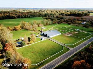 9446 Maple Island Road, Holton, MI 49425