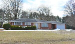 43231 Parkhurst Drive, Decatur, MI 49045