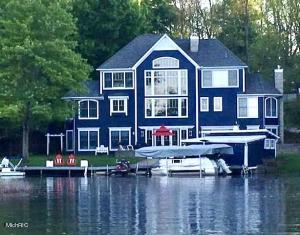 1259 W Gull Lake Drive, Richland, MI 49083