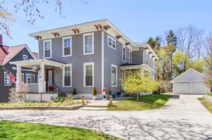 411 Lake Avenue, Grand Haven, MI 49417