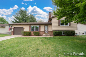 3460 Auburn features 3 nice sized bedrooms, 2 baths and updated windows