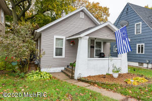 Solid 3 bedroom on Grand Rapids' southeast side in good condition. Walkout basement with potential for more finished space.