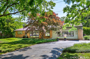 1646 Thornapple River Drive SE, Grand Rapids, MI 49546