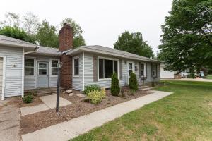 3951 Suburban Shores Drive NE, Grand Rapids, MI 49525