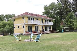 2990 Lakeshore Avenue, Benton Harbor, MI 49022