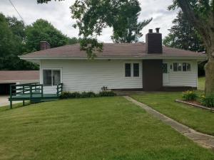 6260 Lakeview Drive, Fremont, MI 49412