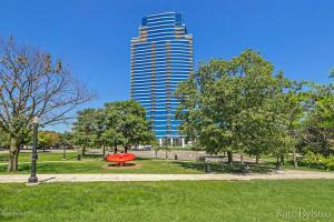 Exceptional River House Condo! Situated on the 5th floor, this south-facing unit offers 13'4 ceilings & magnificent views of downtown Grand Rapids overlooking the Grand River, Ah-Nab-Awen Park, & the Gerald R. Ford Museum. With 1891 sq. ft. this 3-bedroom, 3-bath unit has been meticulously maintained & features granite counters, stainless-steel appliances & custom-built pantry. Primary suite with Jacuzzi tub, custom built-ins & walk-in closet. Custom-built closets, blinds & surround sound system. Two parking spaces-one just steps from the condo meaning no elevator time-a rarity in the building. Enjoy the on-site fitness facility, indoor pool & hot tub, clubroom & 24-hour security. Conveniently located within walking distance to the best local restaurants, bars & the Bridge Street Market!