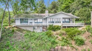10032 W Gull Lake Drive, Richland, MI 49083