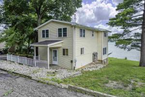 425 Oakwood Avenue, Clark Lake, MI 49234