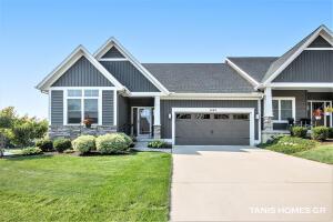 1662 N Brandon Ridge Drive NW, Grand Rapids, MI 49544