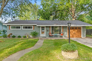 1661 Herrick Avenue NE, Grand Rapids, MI 49505