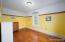 Second floor bedroom with beautifull hardwood flooring