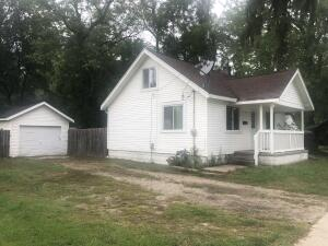 Cute Remodeled home with 2 Bedrooms . Home has new kitchen, newer bathroom, new flooring on main floor, 1 stall garage. Move in ready .Of street parking!