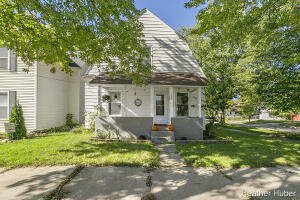 Looking for a new opportunity? Look no further. 1327 Ashland is perfect for both those looking for a place to call their own as well as investors looking to build their portfolio. This Creston cutie features a 3-year-old roof, 3-year-old windows, and plenty of parking, both street-side and in the 2-stall garage. Enjoy a crisp fall morning with a cup of coffee on the front porch, or throw a ball for Fido in the fenced-in backyard. Located on a quiet, two-block street, this home sits just down the road from a community garden and CSA, New City Farm. Come be a part of the Creston community, or help grow it yourself! Please submit any offers by 10/27 at 5:30 p.m.