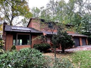 9820 Oak Forest Circle, Kalamazoo, MI 49009