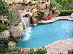 Pineapple Villa Condo 921, Financing Available!!!, Roatan,