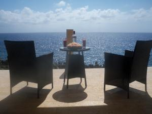 Lighthouse Estates, West Bay, Ocean Front Boutique B&B, Roatan,