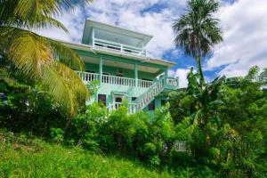 Turn Key B & B - Bargain Price, Your Escape to a New Life, Roatan,