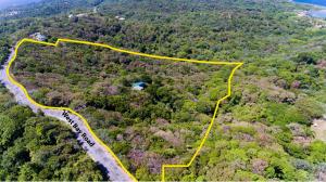 West Bay Road, 13 acres plus a home, Roatan,