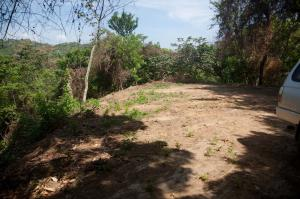 of Roatan, 1.2 Acres. Views of Both Sides, Roatan,
