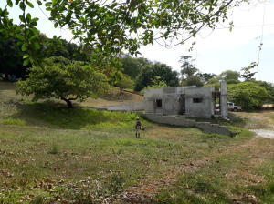 War Cay-Hottest Sparrow., UNFINISHED NICE CONCRETE HOME, Roatan,