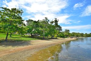 Blue Harbour, Beach Front Lot No.20, Roatan,